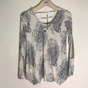 Day Trip long sleeve paisley blouse BKE brand